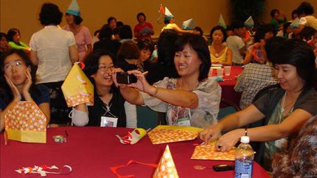 기사 대표 이미지:불붙은 원류 논쟁…한국 종이접기 vs 일본 오리가미