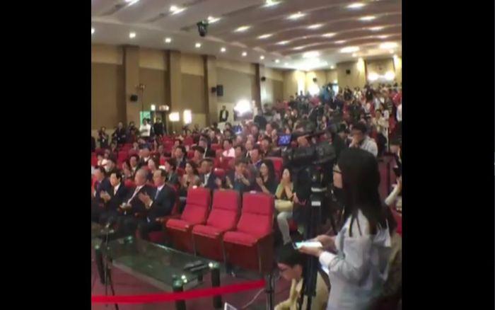 [비디오머그 라이브] 출구조사 결과 발표…새누리당·더민주 실시간 반응 (다시보기)