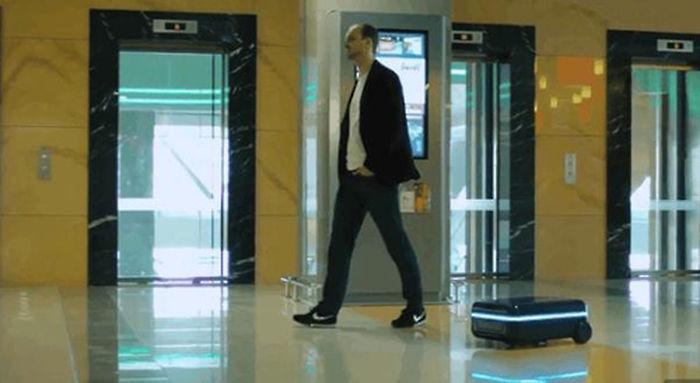 기사 대표 이미지:여행가방 끌고다닐 필요없다 사람 졸졸 쫓아오는 AI 캐리어