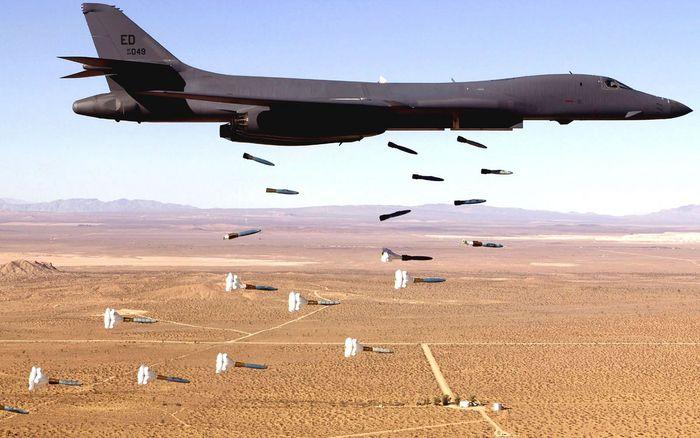 ▲ 미 전략폭격기 B-1B