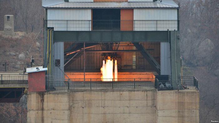 19일 백두산 로켓 엔진 연소시험
