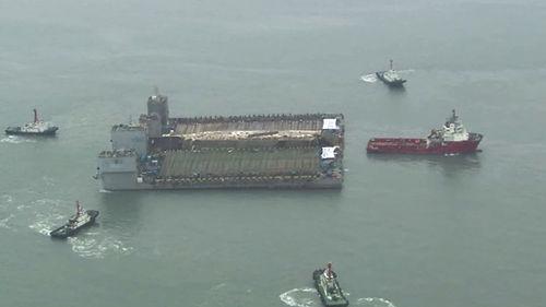 메인이미지:3년 만의 항해…한숨 돌린 세월호, 반잠수선 선적 시도