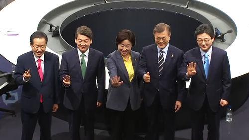 메인이미지:극과 극 엇갈린 북핵·일자리 대책…단일화 놓고도 충돌