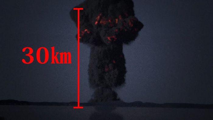 높이 30km 이상의 버섯구름으로 덮인 암흑 도쿄