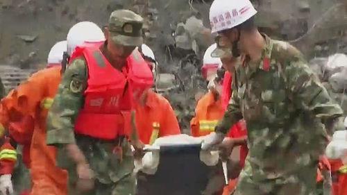 메인이미지:쓰촨성 산사태, 골든타임 다가오는데…구조작업 제자리