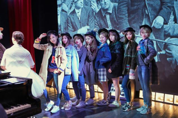 Girl Group Twice's behind the scene photos