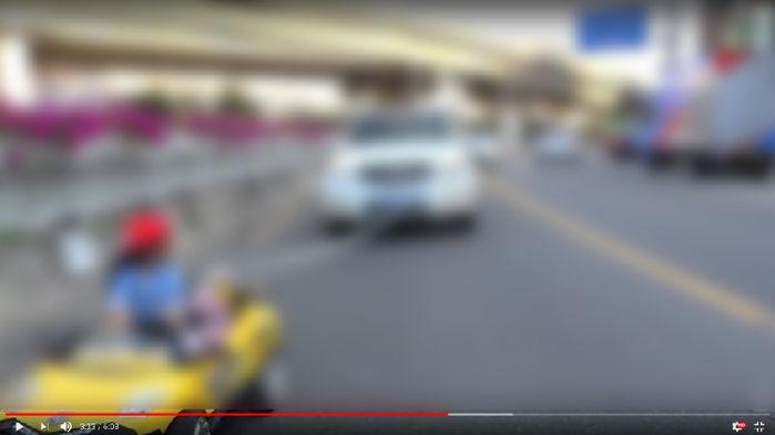 강도 분장해 몰카 찍고, 아이 인형 차로 뭉개고...'키즈 채널' 운영자 아동학대로 고발