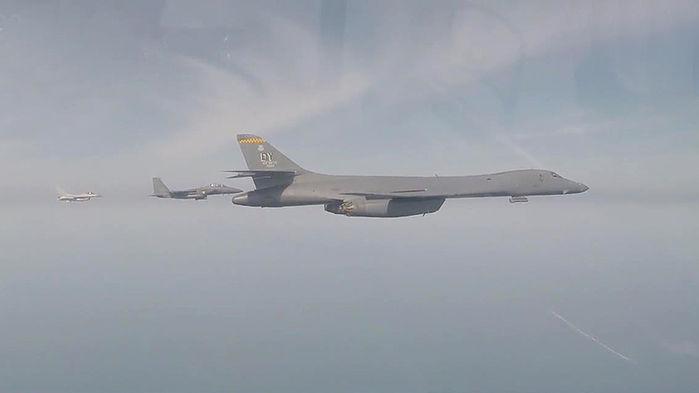 미군의 최첨단 폭격기 B-1B