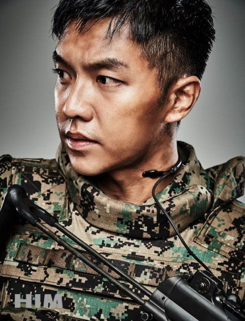 Lee Seung Gi's Military Pictorial Released Ahead of His Discharge