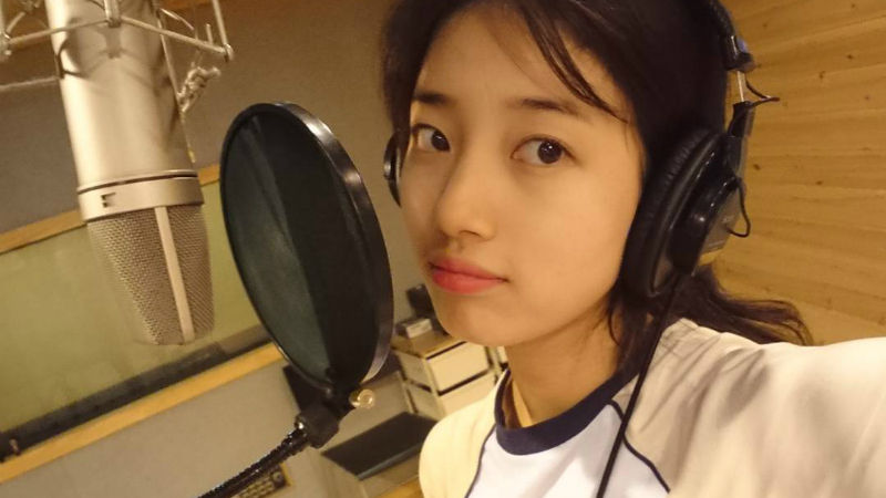 기사 대표 이미지:[SBS Star] VIDEO: Suzy Sings Heart-melting I Love You Boy for While You Were Sleeping