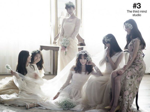 After School Reunited! Members Gathered for Jung Ah's Wedding Pictorial
