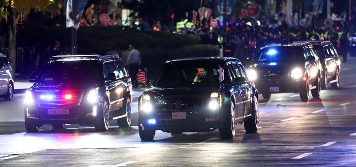 트럼프, 광화문광장 앞 도로 560m 역주행 한 이유?