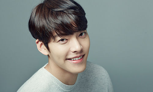 [SBS Star] Spotlight On Kim Woo Bin's Special Habit, Keeping a 'Gratitude Journal'