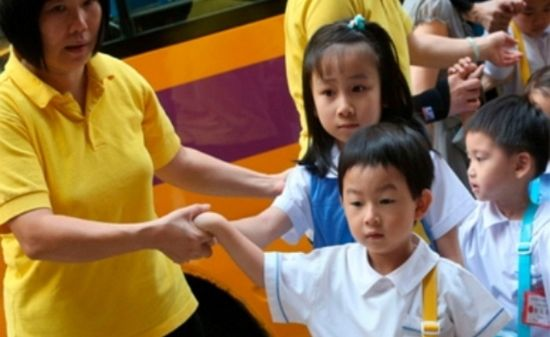 과도한 수업으로 '원형탈모' 걸린 3살 아이