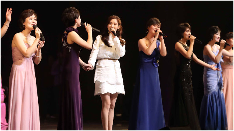 기사 대표 이미지:[SBS Star] How Did Seohyun End Up Performing with North Korean Troupe?