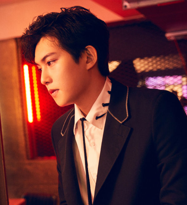 SBS Star] Lee Jong Hyun Becomes the Last CNBLUE Member to