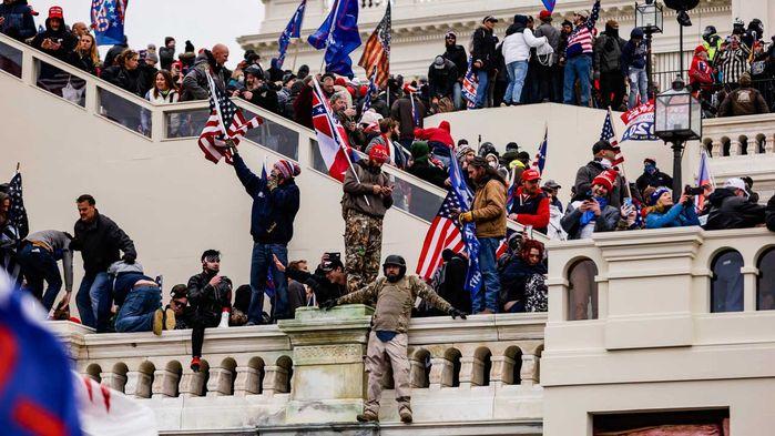 미국 의회 점령한 트럼프 대통령 지지자들 (사진=게티이미지코리아)