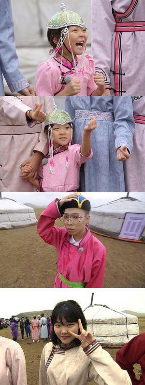 """""""뭘해도 사랑스러워""""…추블리네가떴다 추사랑, 몽골 전통 의상 도전"""