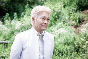 """[인터뷰] 조성하 """"사이비 교주 백정기, 최순실 사태와 닮아"""""""