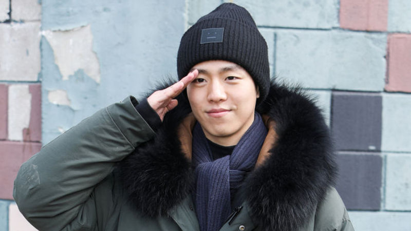 기사 대표 이미지:[SBS Star] Lee Hyun Woo Joins the Military with Last Farewell