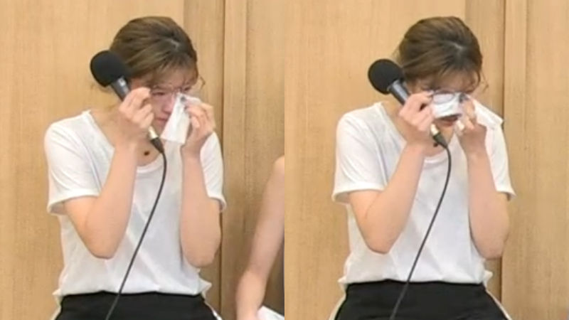 기사 대표 이미지:[SBS Star] TWICE JEONGYEON Suddenly Bursts into Tears During a Live Radio Show?