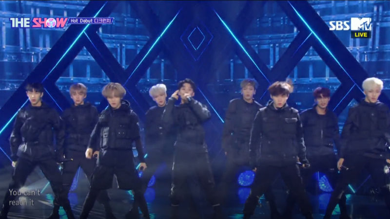 기사 대표 이미지:[SBS Star] VIDEO: D-CRUNCH Burns the Stage with Its Hot Debut Performance!