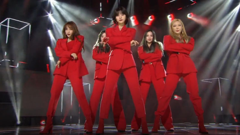 기사 대표 이미지:[SBS Star] VIDEO: EXID Returns to the Stage with Its First Love Song I LOVE YOU!