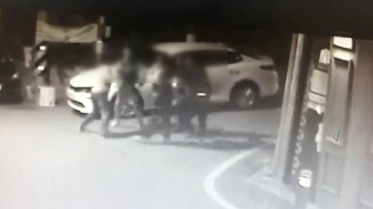 영상] 술값 시비로 경찰-유흥업소 뒤엉켜 주먹다짐   SBS 뉴스