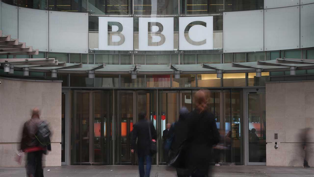 """중국, '전송 중지' """"BBC는 세기의 거짓말을 보도"""""""