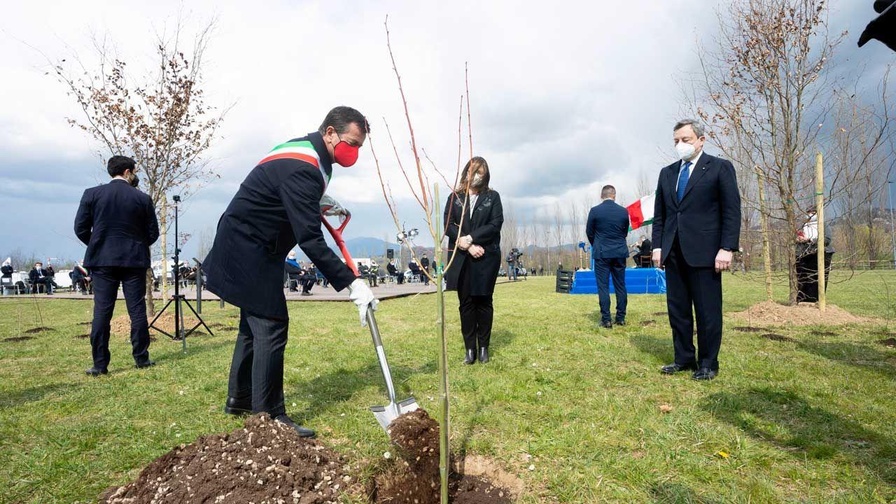 이탈리아 최초의 코로나 희생자 기념식