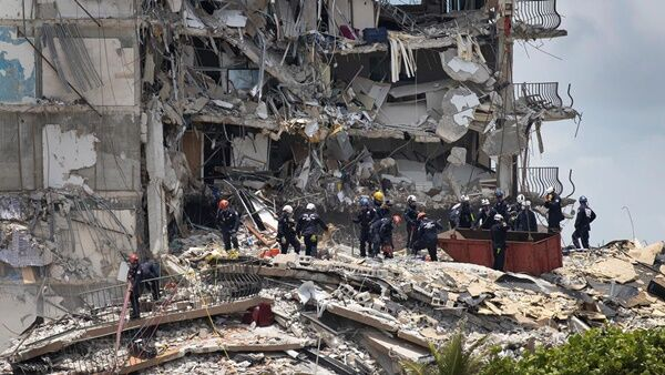 Florida apartment collapse disaster (Photo Credit=Getty Images Bank)