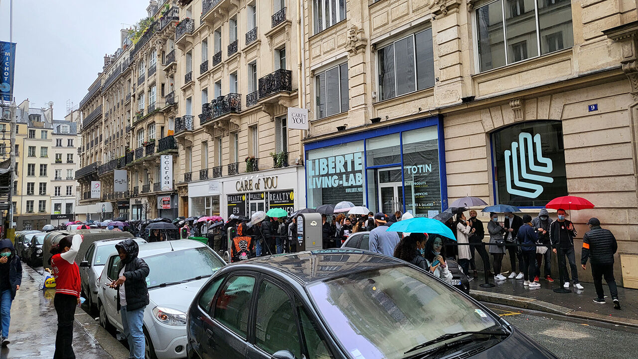 프랑스 파리 '오징어 게임' 팝업스토어 앞 긴 줄 (사진=연합뉴스)
