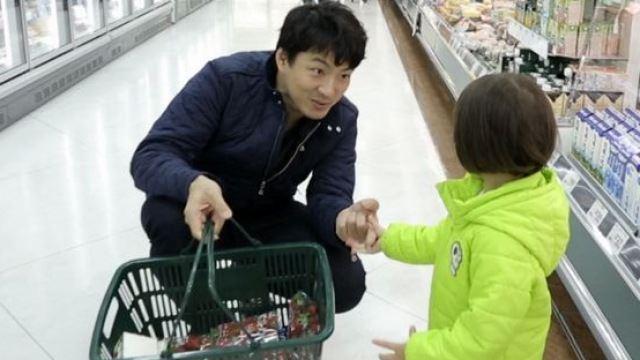 '슈퍼맨이 돌아왔다' 송일국, 사랑이와 쇼핑…잠재된 딸바보 면모 과시