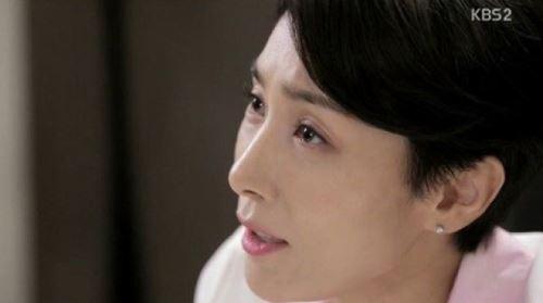 '어셈블리' 송윤아-김서형, 물러서지 않는 말싸움…승자는?