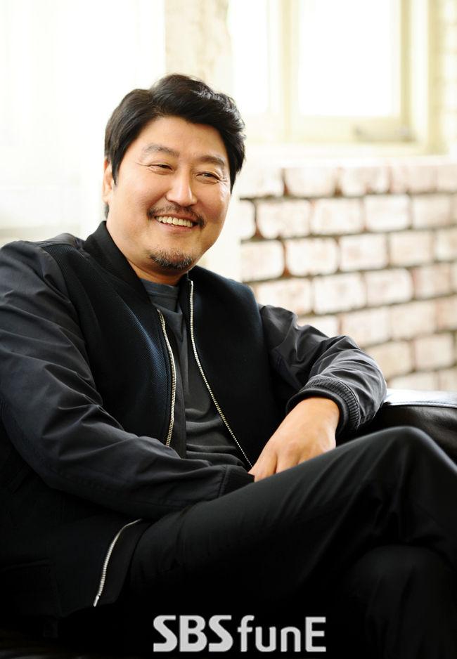 """'밀정' 송강호 """"엄태구, 카메라 앞 돌변 놀랍다""""  기본이미지"""