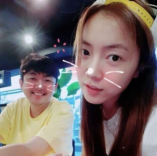 "LJ ""우리는 사랑하는 사이"" vs 화영 측 ""연인 관계 아냐""  기본이미지"