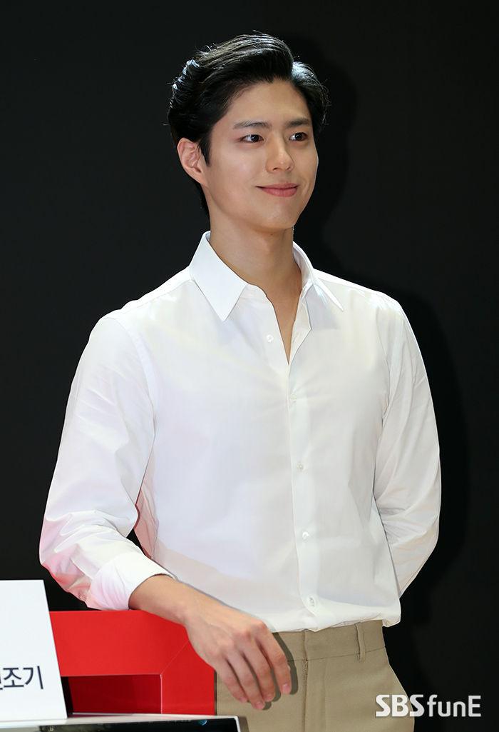 [펀펀한 현장] 장발 vs 포마드 박보검, 뭐가 더 잘 어울리나요?  기본이미지