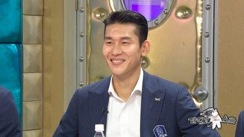 [단독] 축구선수 이용, 미스코리아 출신 SNS스타와 열애 '럽스타그램'  기본이미지