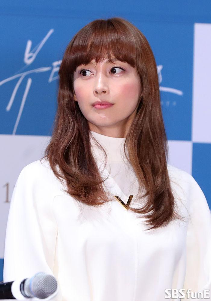 [E포토]이나영, '초롱초롱 눈망울'  기본이미지