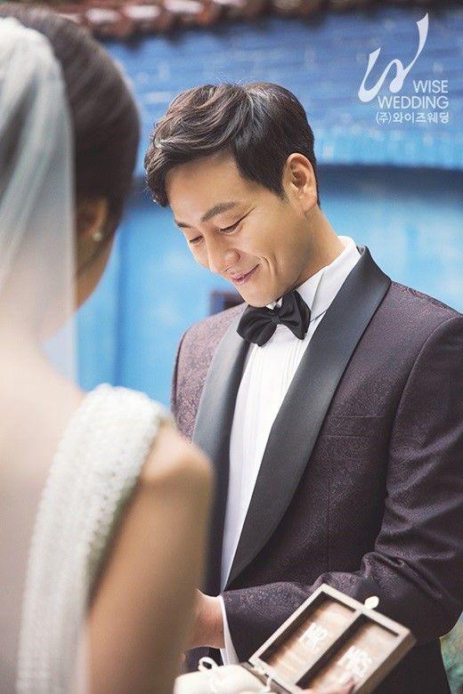 박해수, 오늘(14일) 유부남 된다…일반인 연인과 결혼  기본이미지