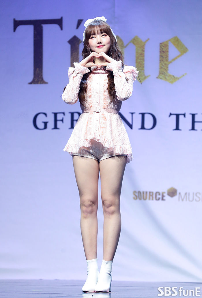 [E포토]여자친구 예린, '눈부신 인형 미모'  기본이미지