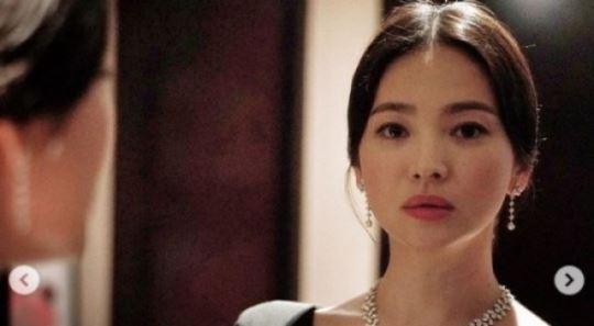 송혜교, 中 왕가위 영화사와 계약…'블러섬'서 재회할까