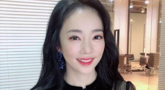 """박은영 아나운서 """"결혼 감춘 것 아냐…축하 감사해"""""""