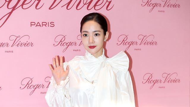[E포토]박민영, '블랙 앤 화이트 천사'