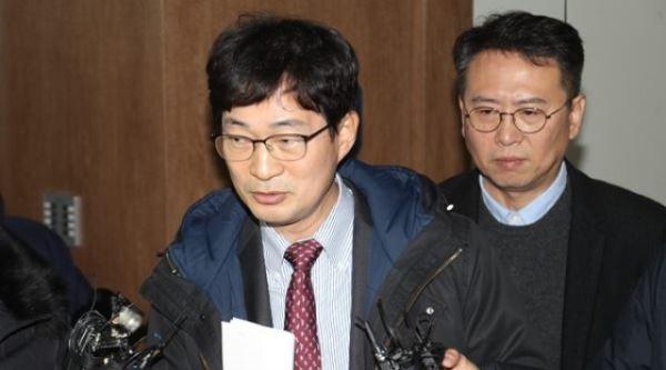 '성폭행 피소' 김건모, 직접 입장발표 나선다…무고 등 맞고소 완료