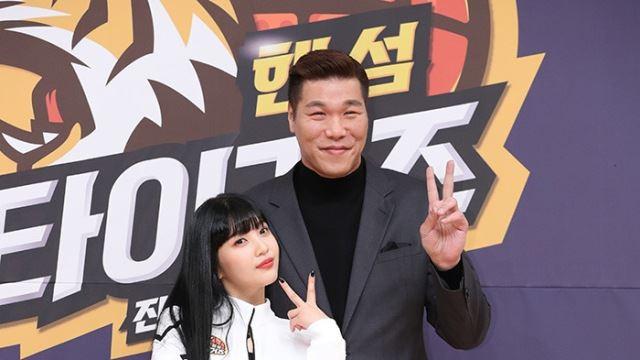 [E포토]서장훈-조이, '거인과 미녀'