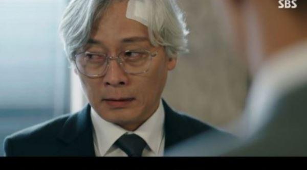 """[스브스夜] '하이에나' 주지훈, 재판 중 이경영 향해 """"판결 부탁했나"""" 추궁"""