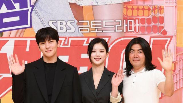 """'편의점샛별이' 이명우 감독 """"'열혈사제'와 결 다른 코미디…따뜻함 담았다"""""""