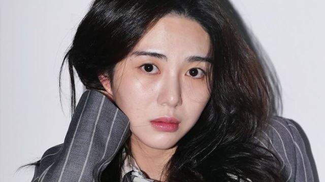 """권민아, AOA 멤버들 공개 저격 """"지민 절친 설현, 내 입장에선 방관자"""""""