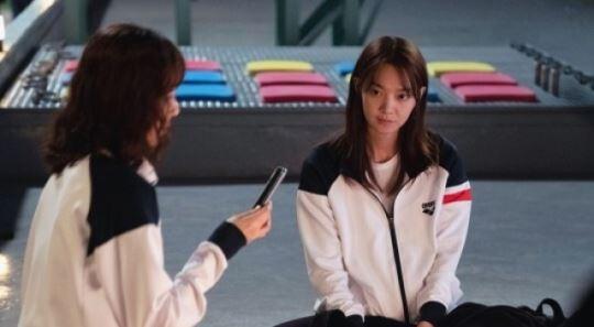"""""""피튀기는 라이벌, 촬영장선 전우애""""…'디바' 신민아X이유영 '환상 케미'"""